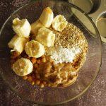 Flourless & Fudgy Peanut Butter & Banana Vegan Muffins