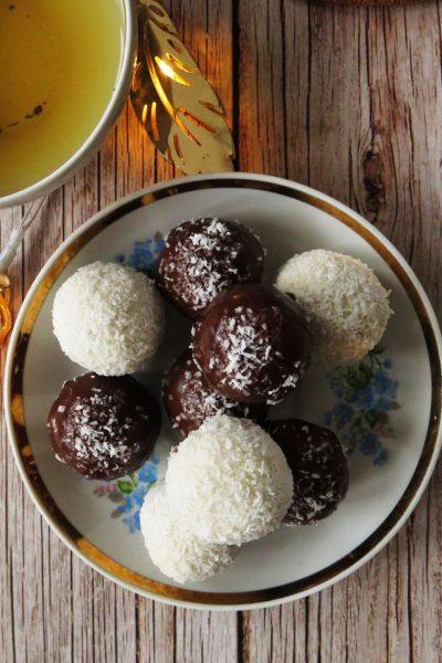 Vegan Raffaello & Bounty Chocolate Coconut Bliss Balls