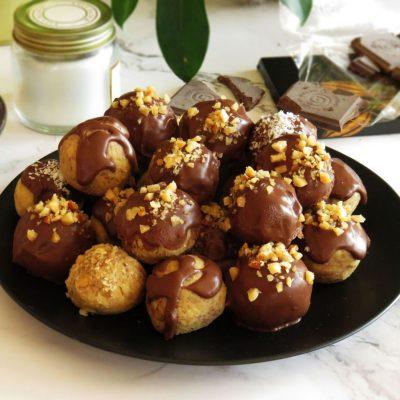 Vegan Chocolate Chickpea & Peanut Butter Truffles